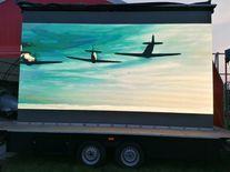 Pokaz filmu- 3 samoloty