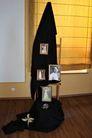 Zdjęcie stojaka z fotografiami