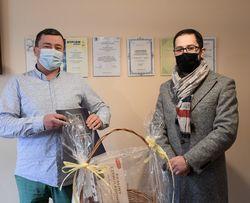 Zastępca Burmistrza Miasta Tobiasz Wysoczański z wizytą w Miejskim Ośrodku Zdrowia w Świebodzicach.