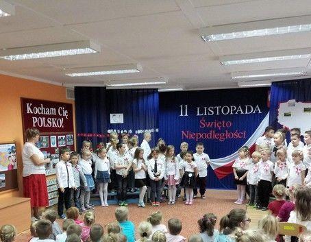 Szkoła i przedszkola do hymnu
