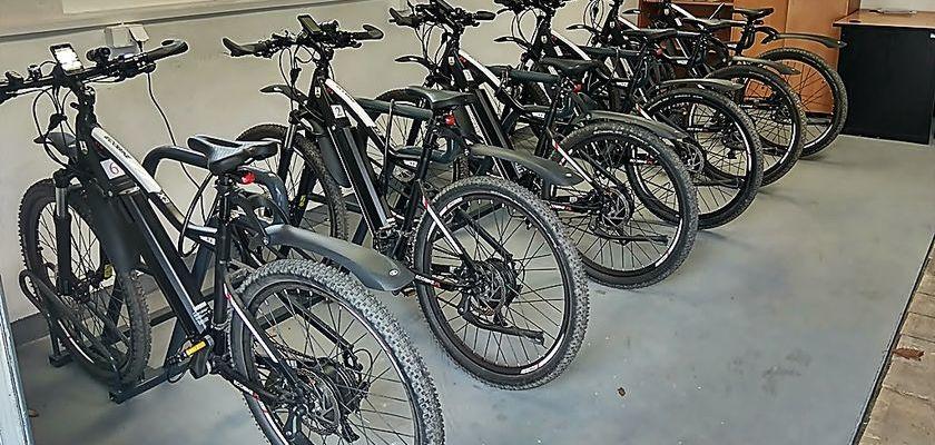 Rusza wypożyczalnia rowerów elektrycznych.