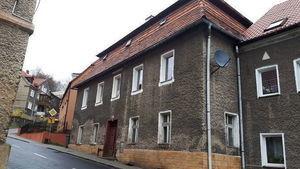 Lokal mieszkalny nr 1 o powierzchni 38,00 m2 w budynku przy ul. Piastowskiej 68 w Jedlinie-Zdroju