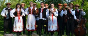"Sukces kapeli  ludowej  ""to i owo"" na  festiwalu ""z kulturą i o kulturze"""