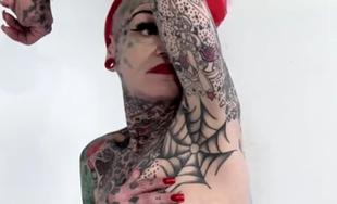 Mężczyźni boją sie jej tatuaży...