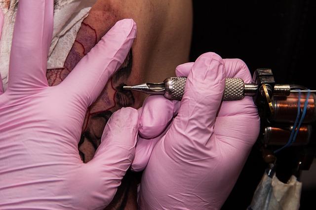 Tatuaż oznaką dobrych genów?