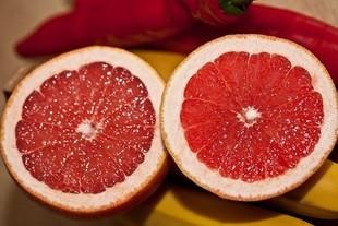 Dieta grejpfrutowa - odchudza i odmładza!