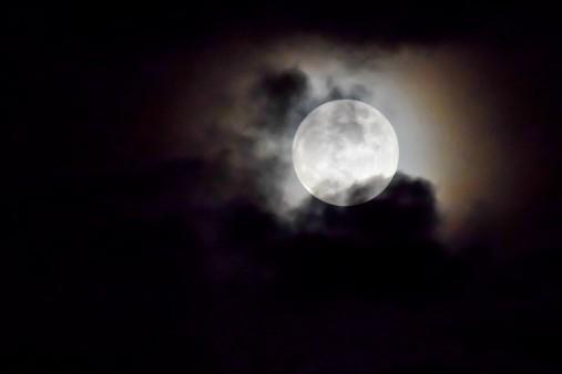 Stale podejmujesz złe decyzje? Nasi przodkowie wierzyli, że trzeba żyć zgodnie z Księżycem...
