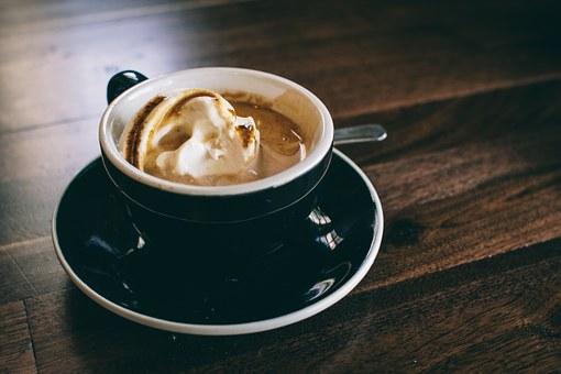 Dodaj te 3 składniki do kawy, a podkręcisz metabolizm i zrzucisz kilka kilogramów!