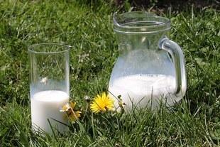 Mleko ci szkodzi? - to może być objaw różnych chorób!