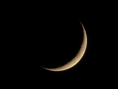 Majowy księżyc w nowiu - sprawdź co cię czeka!