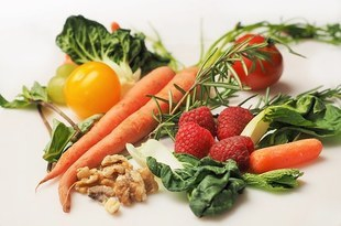 Warzywa i owoce podstawą diety –