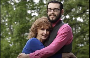 71 letnia kobieta poślubiła 17 latka, którego poznała na pogrzebie swojego 45 letniego syna...