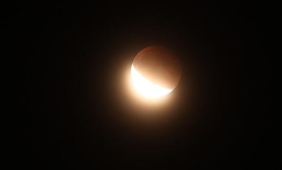 Pełnia i zaćmienie Księżyca 27 lipca - sprawdźcie, co was czeka!