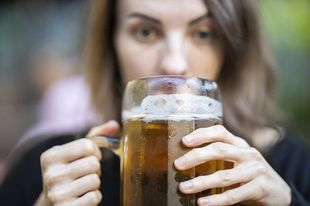 Dlaczego Polki mają problem z nadużywaniem alkoholu