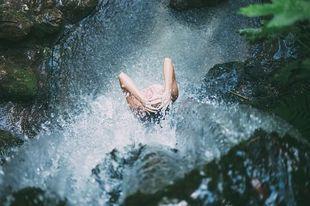 5 łatwych przepisów na dobroczynne kąpiele - dla zdrowia i dla urody