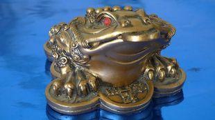 Dlaczego trójnożna żaba jest symbolem dobrobytu i bogactwa?