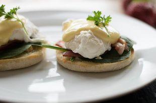 Jajka po benedyktyńsku - wykwintne śniadanie