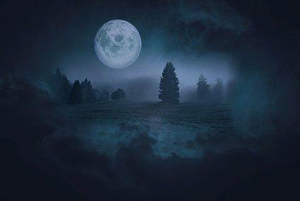 Pełnia Niebieskiego Księżyca w Halloween. Ważny moment dla tych czterech znaków zodiaku!