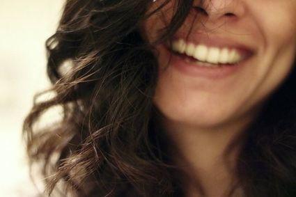 Domowy sposób na długie, lśniące włosy. Ta mikstura zapobiega też łysieniu i siwieniu!