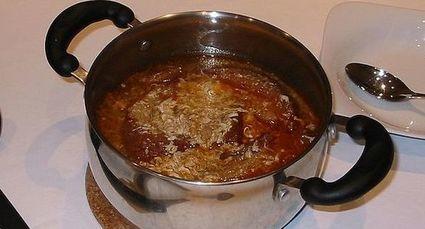 Kastylijska zupa czosnkowa z jajkiem