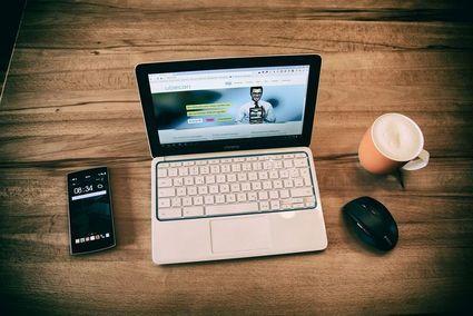 Cztery sprawy, które nauczyliśmy się załatwiać przez internet