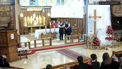 Policjanci wyprosili wiernych z polskiego kościoła w Londynie
