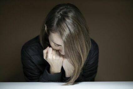 Uderzenia gorąca podczas menopauzy a stany lękowe