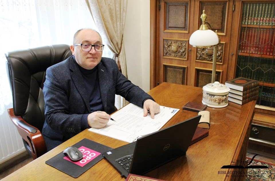 Jerzy Misiurski - dyrektor Biblioteki Publicznej im. Stefana Janasa zgłoszony do konkursu.