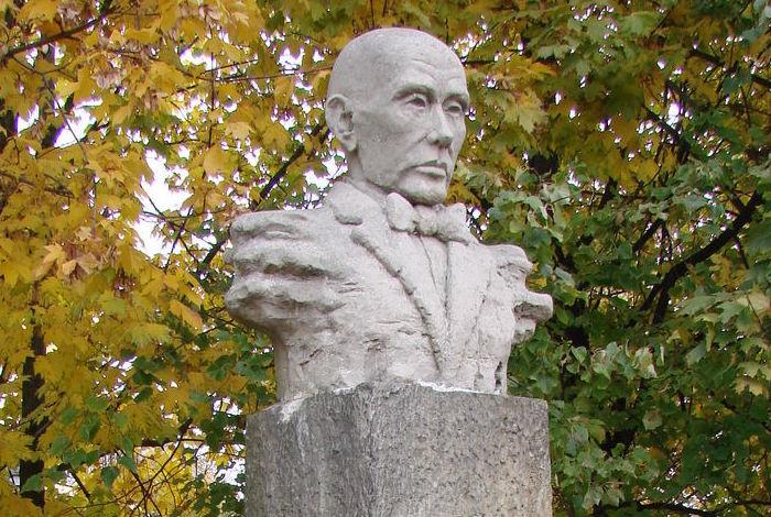 Pomnik pisarza Włodzimierza Perzyńskiego