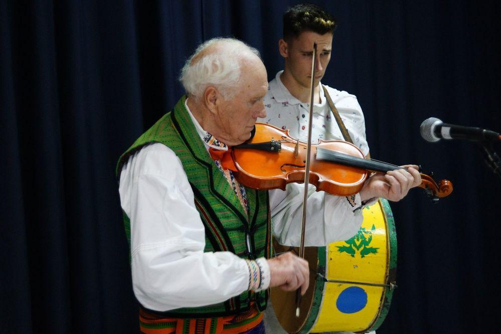 Ze skrzypkami u seniorów