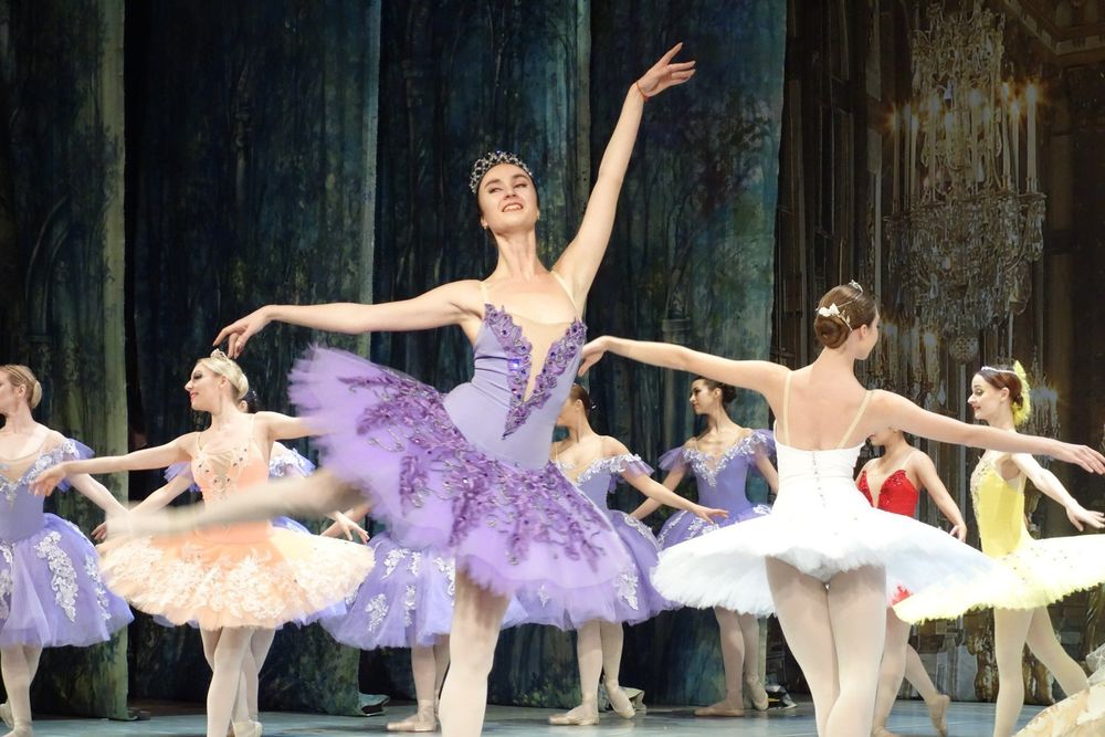Królewski balet z pełną widownią