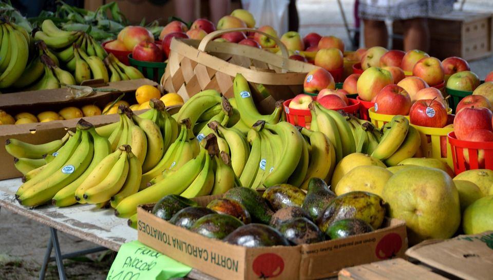 Sprzedaż produktów rolnych i spożywczych.