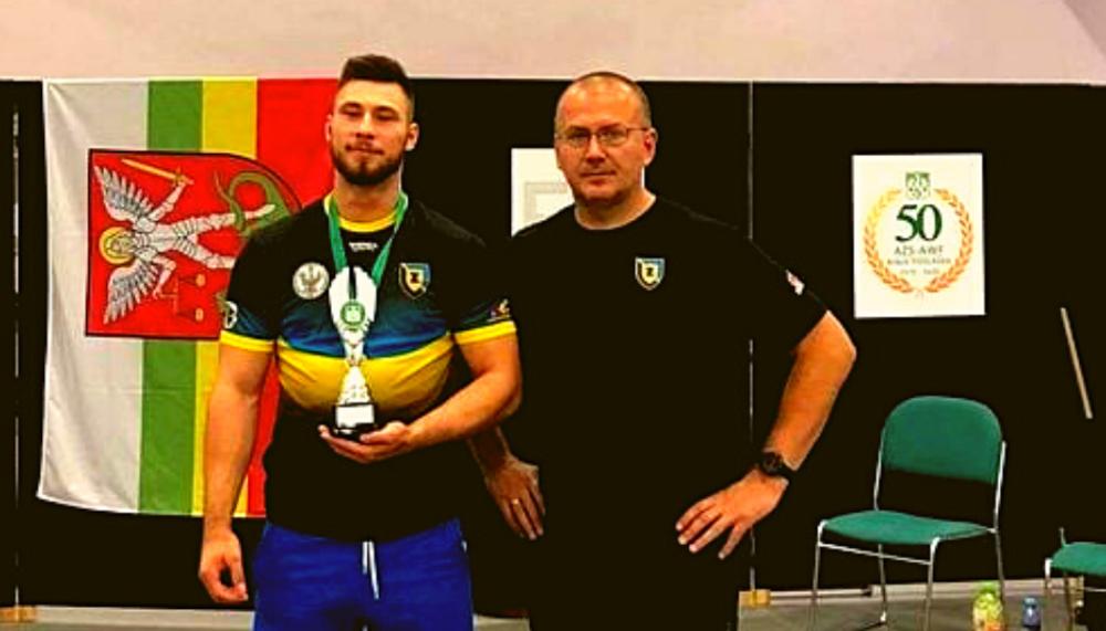 Bartłomiej Adamus wywalczył złoty medal w podnoszeniu ciężarów w kat. 89kg w Akademickich Mistrzostwach Polski.