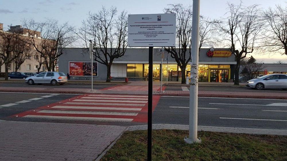 """Zakończenie projektu pn. """"Poprawa bezpieczeństwa pieszych poprzez modernizację przejścia dla pieszych przy ul. Biernackiego w Opocznie"""""""
