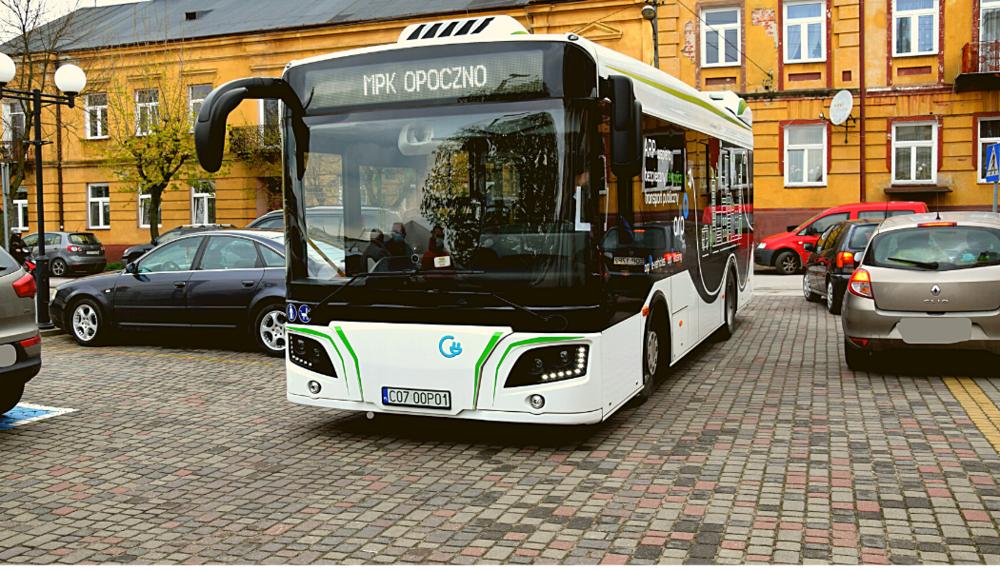 Nowy autobus elektryczny wyjechał na ulice Opoczna.