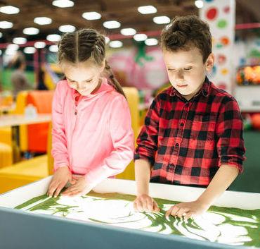 Zabawa - czyli dlaczego, w co i jak się bawić z dziećmi ?