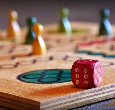Zdjęcie gry drewnianej chińczyk