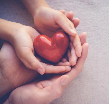 Serce w dwóch dłoniach