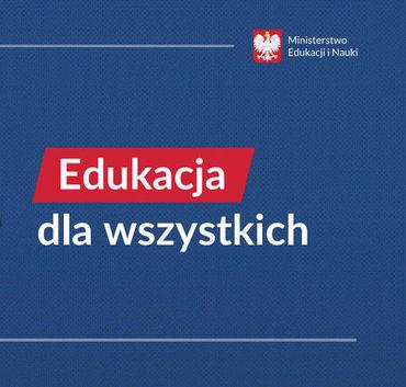 Niebieskie tło. Napis Edukacja na czerwonym tle. Napis dla wszystkich- białe litery na niebieskim tle