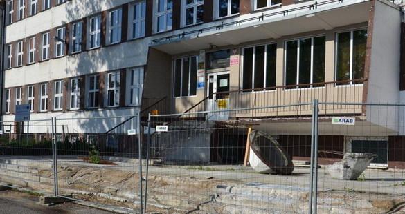 Budynek zostanie odpowiednio ocieplony – to główny cel tego przedsięwzięcia
