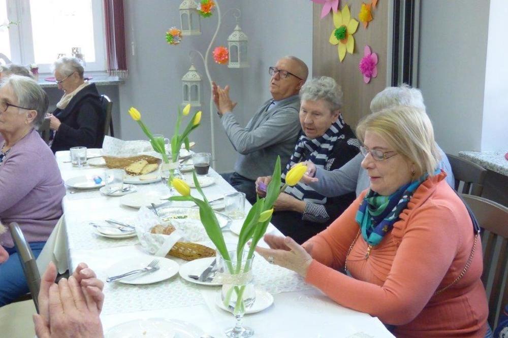"""Śniadanie Wielkanocne w Dziennym Domu Pobytu """"Senior – Wigor"""""""