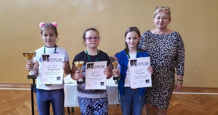 9 medali w Mistrzostwach Strzegomia w szachach dla PSP 4