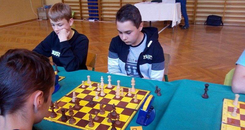 Sukces jaroszowskich uczniów na Mistrzostwach Strzegomia w szachach