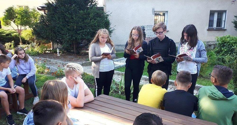 """""""Narodowe Czytanie"""" w jaroszowskiej szkole"""