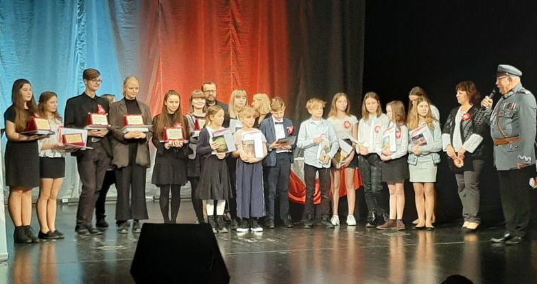 Uczennica z Goczałkowa wyróżniona w powiatowym konkursie recytatorskim