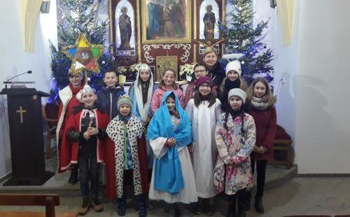 Kolędowanie misyjne uczniów z Kostrzy