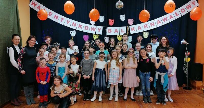 Walentynkowy Bal Karnawałowy w szkole w Stanowicach!