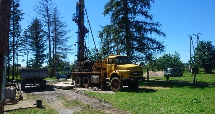 Odwiert nowej studni głębinowej na Stacji Uzdatniania Wody w Olszanach