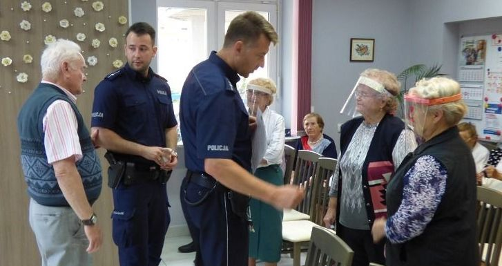 Spotkanie policjantów z seniorami