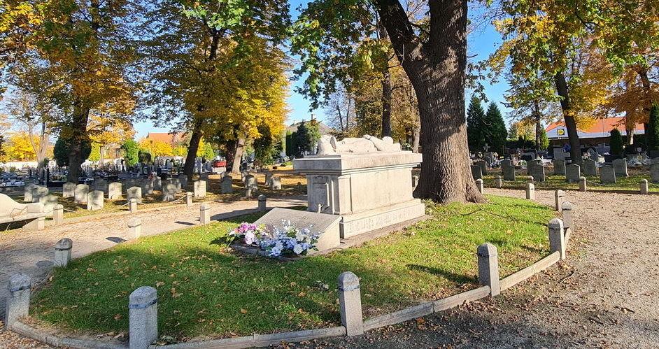 W trosce o strzegomskie cmentarze